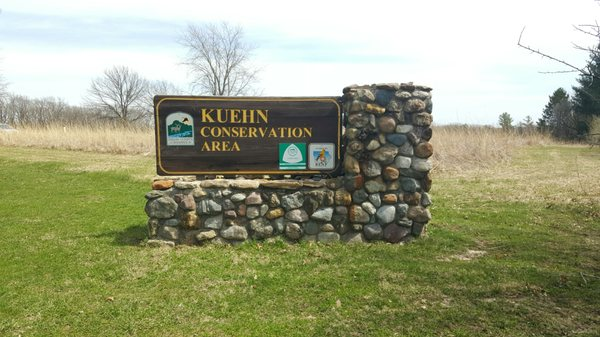 Keuhn Sign